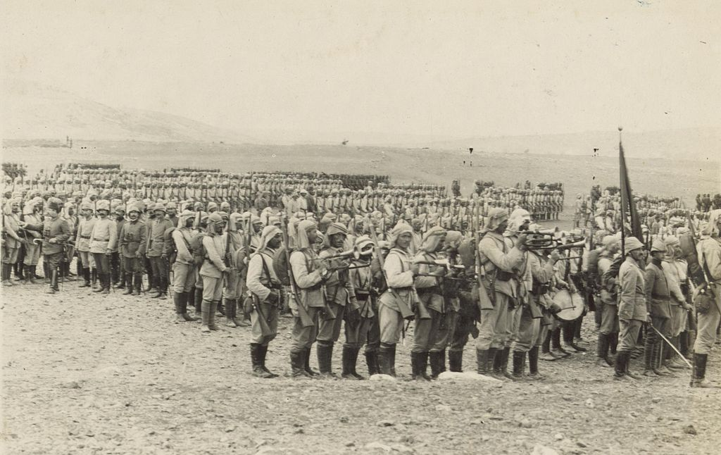 1.Kanal Harekatındaki Osmanlı askerleri (1915)